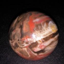 Bois fossile sphère ARM3