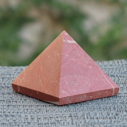 Pyramide Jaspe rouge JR4