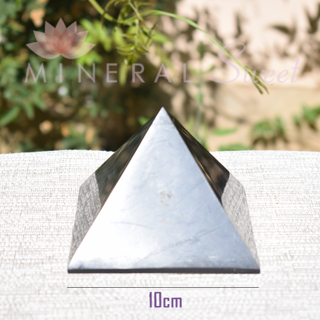 Pyramide Shungite 7cm