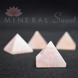 Quartz rose pyramide 3cm